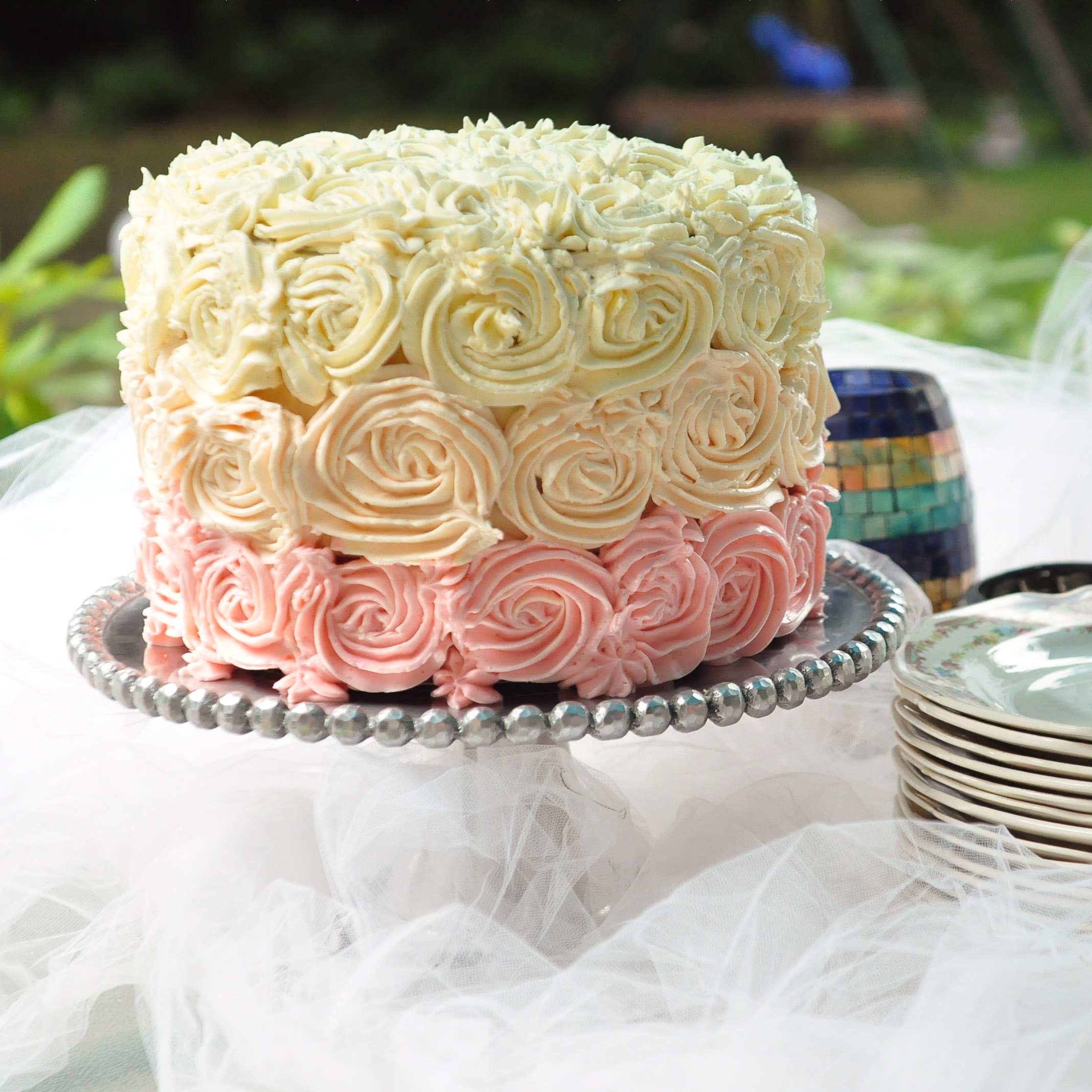 Cake Decorating With Swiss Buttercream : The gallery for --> Fancy Ice Cream Desserts